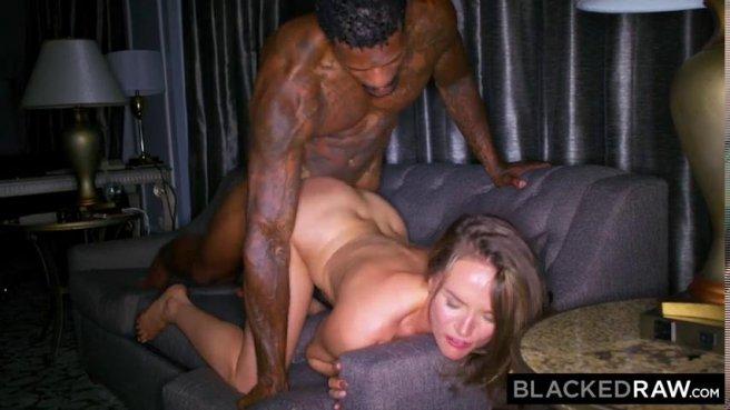 Негр натягивает телочку на свой большой черный член и доводит до экстаза prew 7
