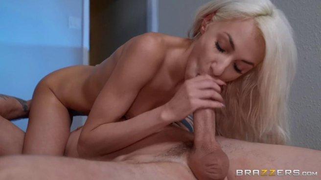 Пара в коридоре замутила стоя секс и обкончалась от удовольствия prew 7