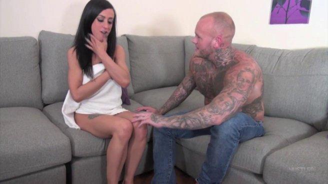 Татуированный самец кончил в рот брюнетке после грубого секса prew 1