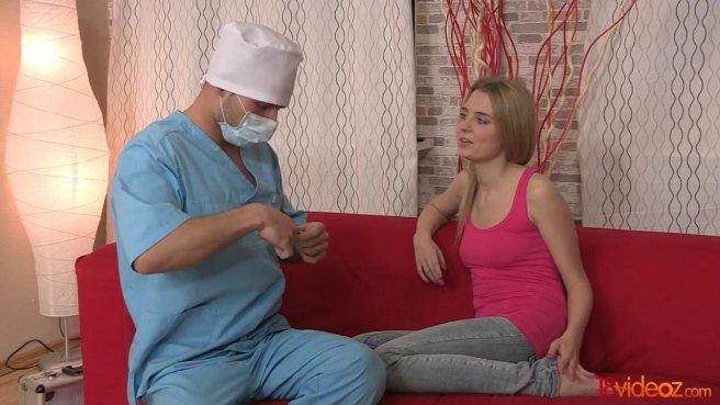 Доктор полизал соски на упругой груди пациентки и отодрал на красном диване prew 2