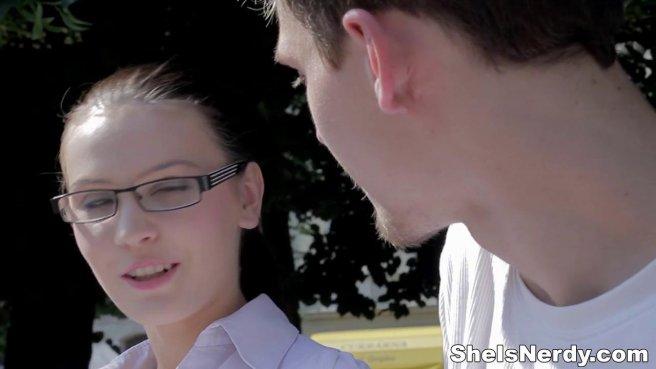Студент раскрутил при подготовке к экзамену очкастую отличницу на проеб prew 1