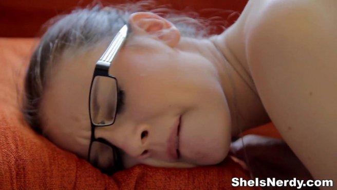 Студент раскрутил при подготовке к экзамену очкастую отличницу на проеб prew 7
