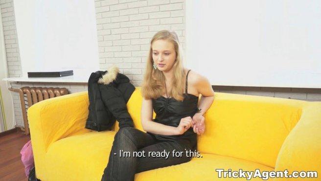 Мужик на собеседовании снял частное видео с жестким проебом новой секретарши prew 2